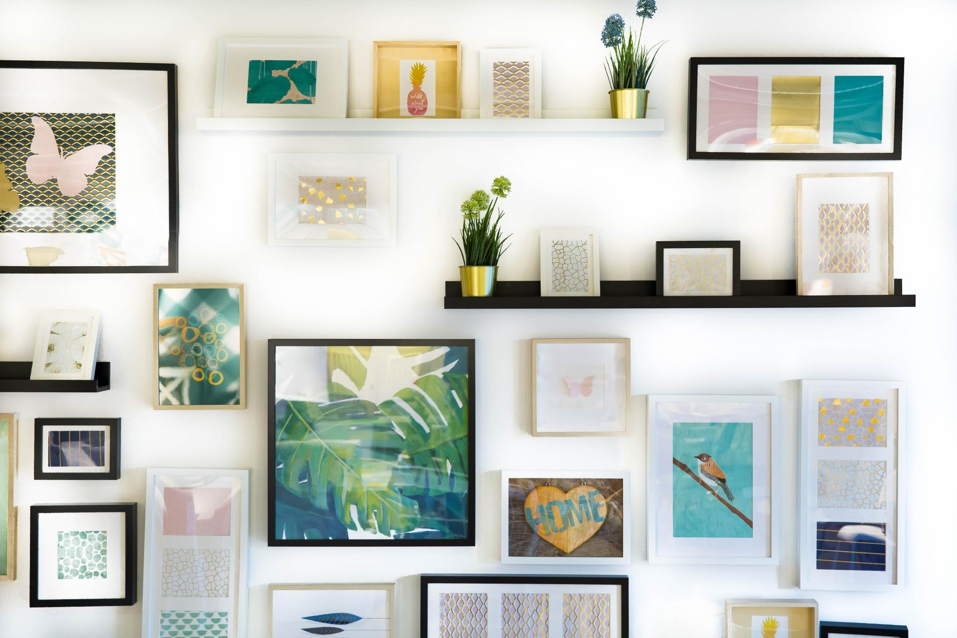 How to Hang Pictures in Your Apartment without Damaging the ...