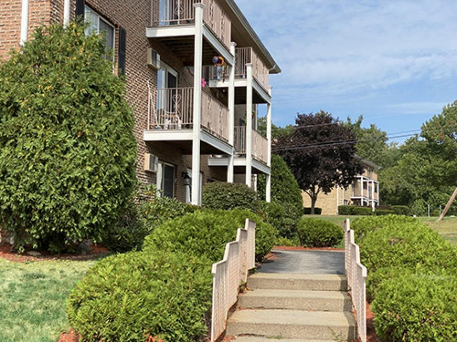 Manchester Condo near the Mall of New Hampshire