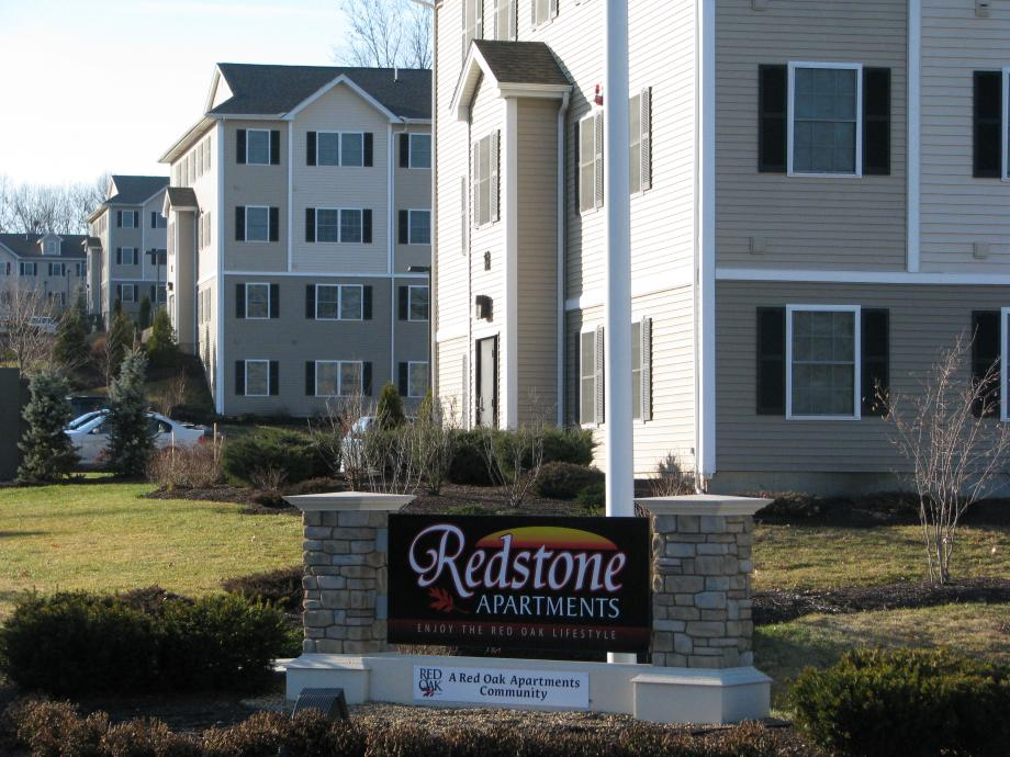 furnished apts at Redstone in Manchester NH