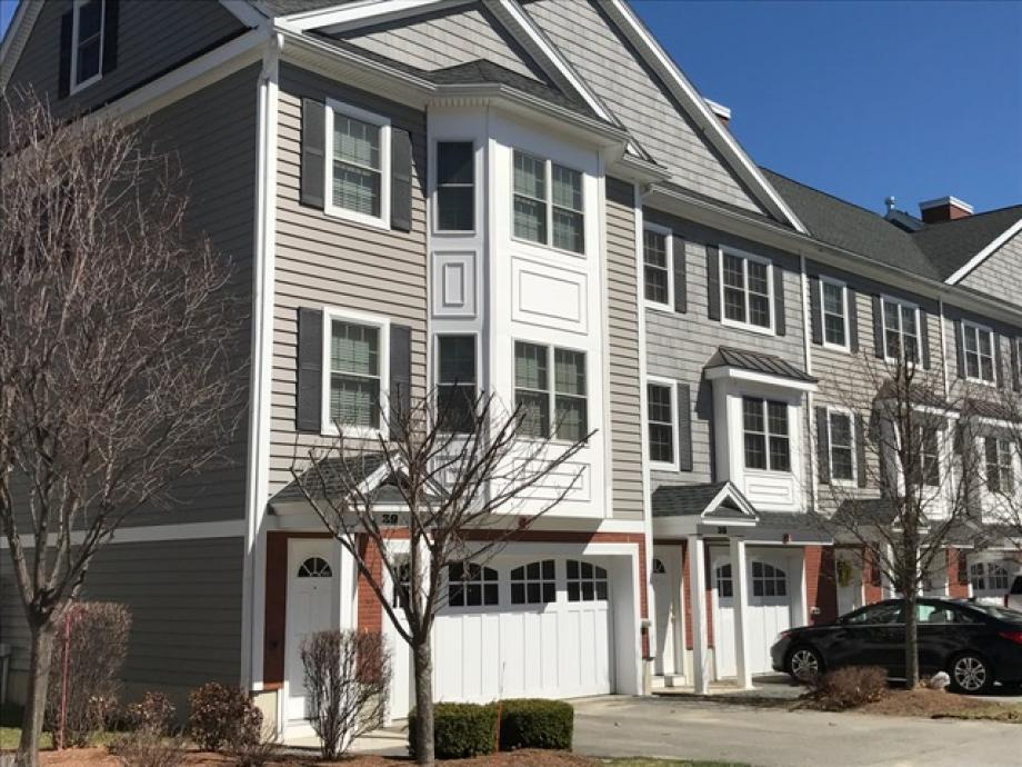 Lowell Condo for rent